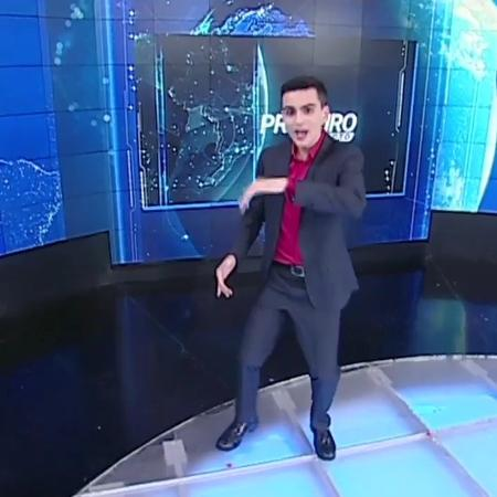 """Dudu Camargo dança """"Deu Onda"""" na despedida do """"Primeiro Impacto"""", no SBT - Reprodução"""