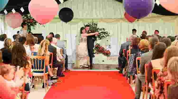 Noivos dançam durante a cerimônia de casamento - Reprodução/Leela Bennett Photography - Reprodução/Leela Bennett Photography