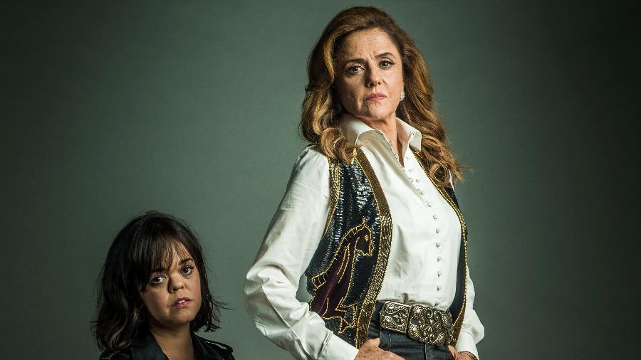 """Em """"O Outro Lado do Paraíso"""", Sophia (Marieta Severo) e Estela (Juliana Caldas) vão ter uma relação marcada por conflitos e embates , já que a mãe tem vergonha da filha portadora de nanismo - Divulgação/TV Globo"""