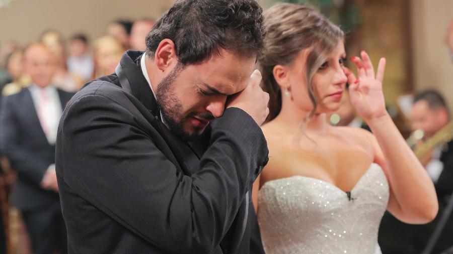 """O humorista Matheus Ceará, de """"A Praça É Nossa"""", se casa com a namorada, Bianca, no programa """"Eliana"""" - Márcio Rogério/SBT"""