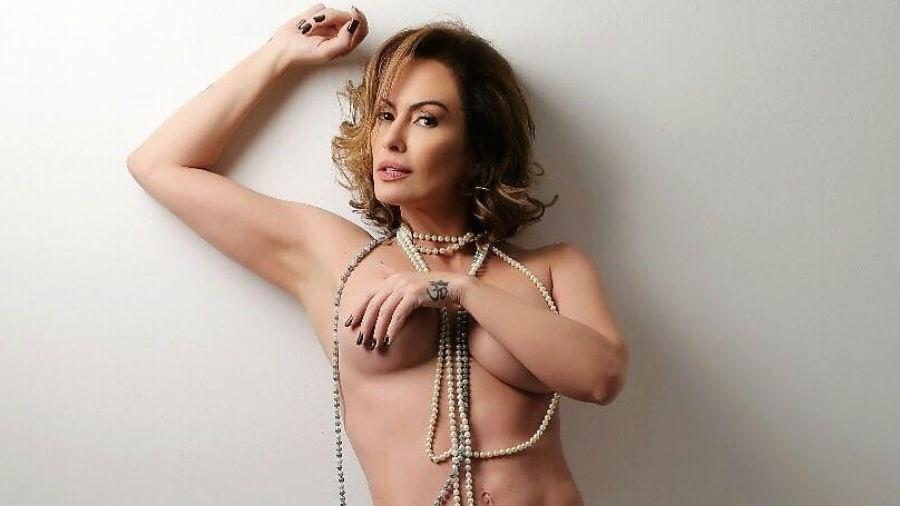 Ousada! Aos 44 anos, Nubia Oliiver faz ensaio de topless - Divulgação/A2 Fotografias