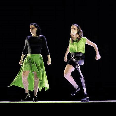 Gabriela Torquato em ação no teatro - Arquivo Pessoal