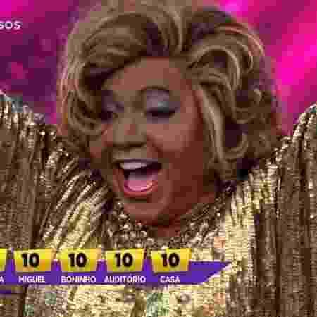 """Mumuzinho comemora cinco notas 10 que recebeu ao homenagear Alcione no """"Show dos Famosos"""" - Reprodução/TV Globo - Reprodução/TV Globo"""