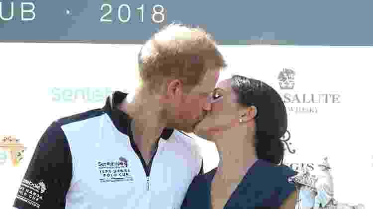 Meghan e Harry durante a entrega do troféu do Sentebale Polo 2018, em Windsor - Getty Images - Getty Images