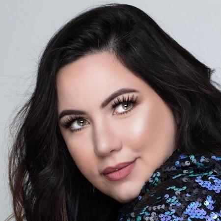 Bruna Tavares, 32, é uma jornalista e blogueira que fez sucesso com linha de batons - Arquivo Pessoal