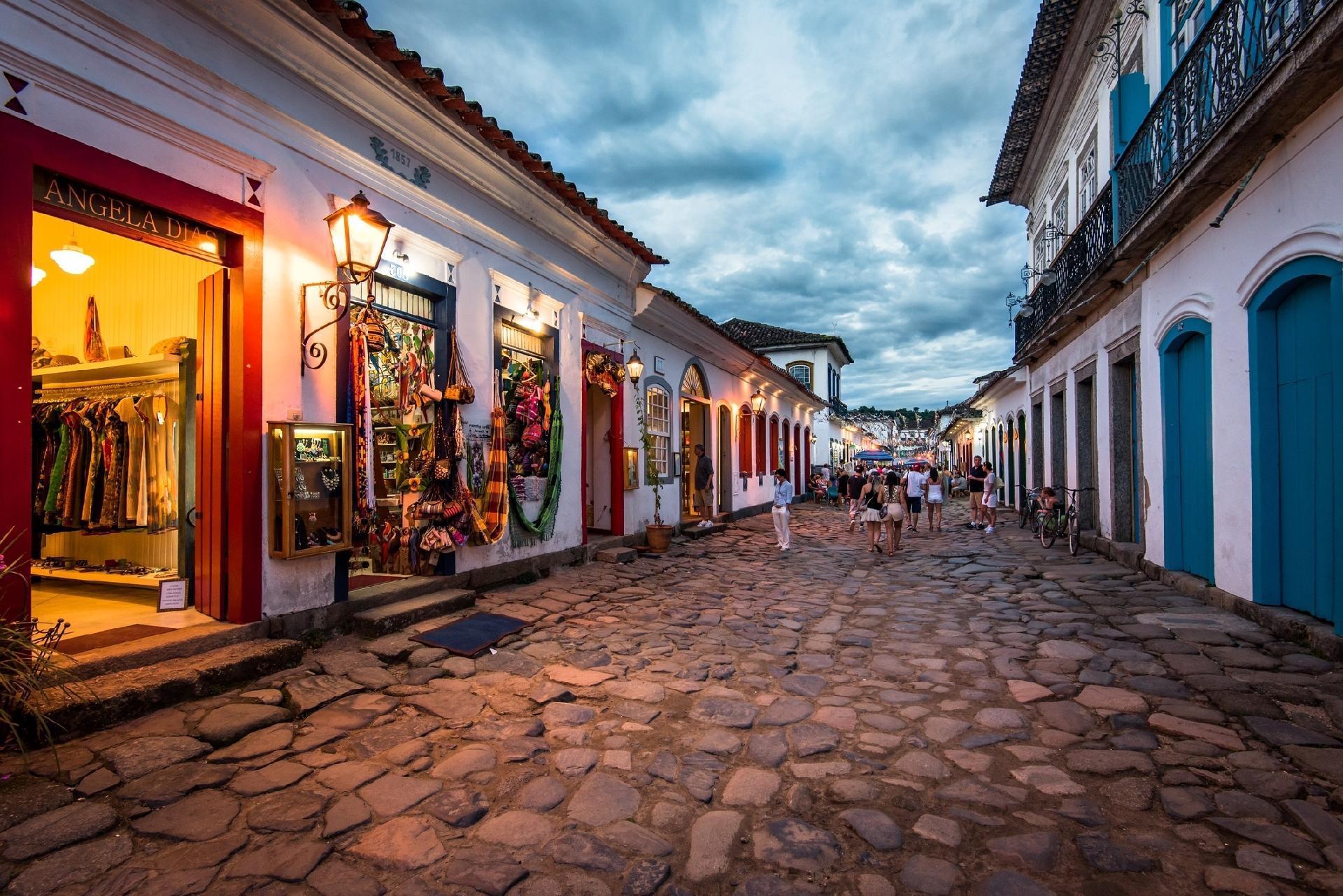 Paraty é reconhecida como patrimônio cultural e natural da humanidade -  05/07/2019 - UOL Notícias