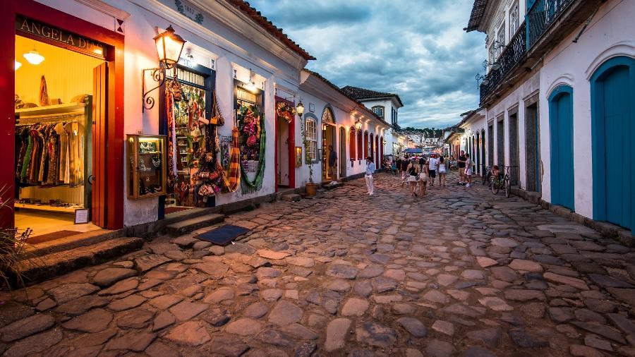 Logradouro é como chamamos um lugar livre destinado à circulação pública de pedestres e veículos - dabldy/Getty Images