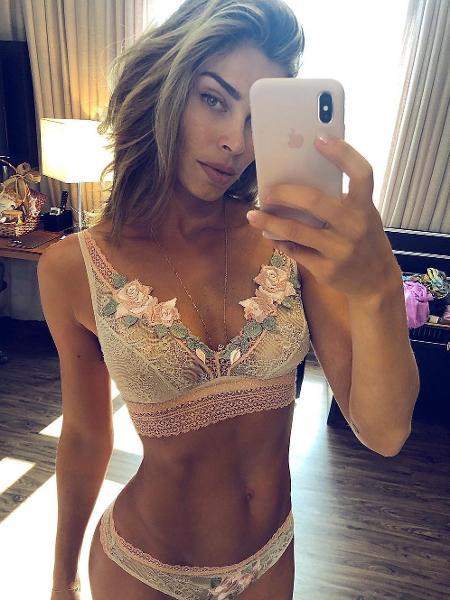 """Grazi Massafera posta foto de lingerie mostra """"tanquinho"""" - Reprodução/Instagram"""