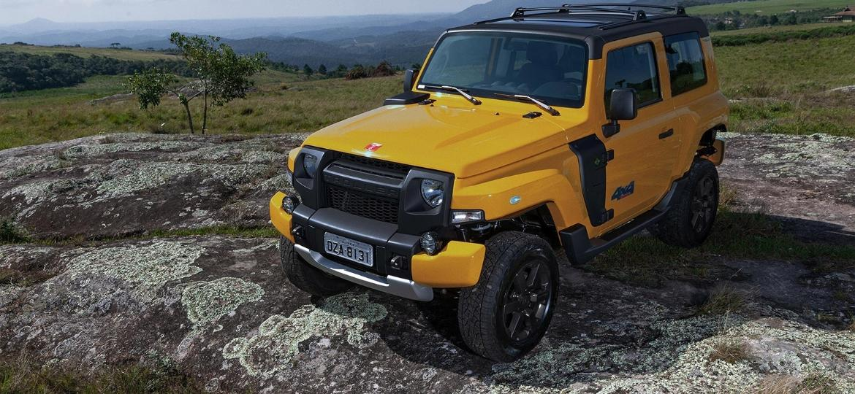 Utilitário 4x4 agora exibe grade dianteira e outros detalhes na cor cinza-escura; motor turbodiesel de 200 cv é o mesmo - Divulgação