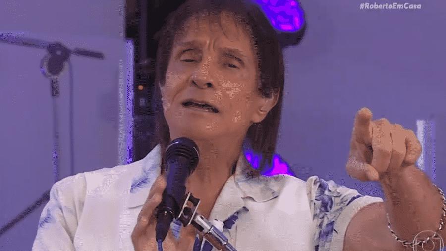 Roberto Carlos em live de homenagem às mães  - Reprodução/YouTube