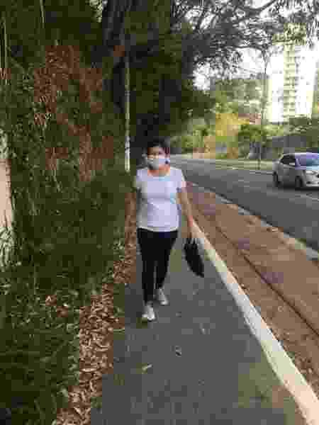Margarida Maria durante sua caminha matinal na avenida Hebe Camargo - Gloria Maria/UOL - Gloria Maria/UOL