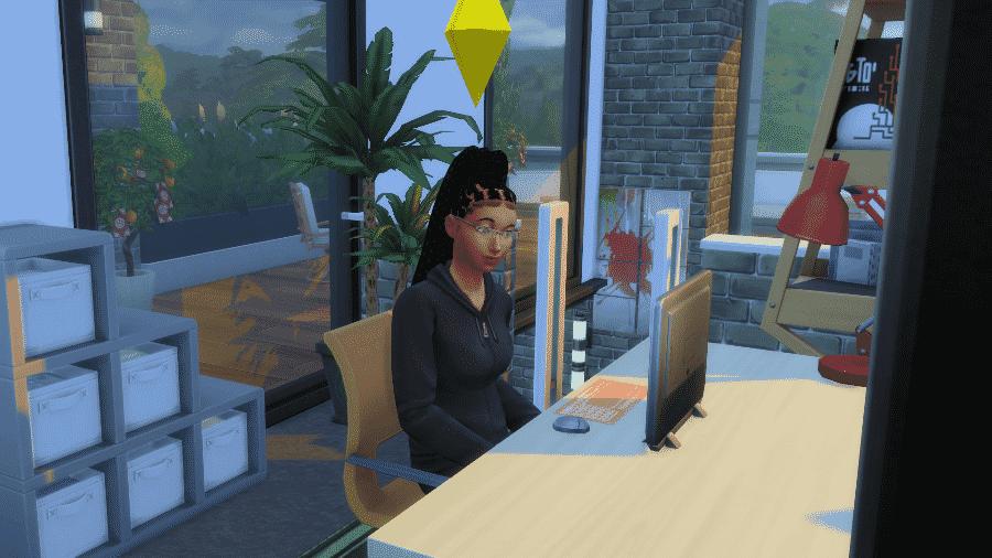 No escritório da Raquel digital em The Sims tinha bugigangas e um computador potente - Reprodução/Raquel Motta