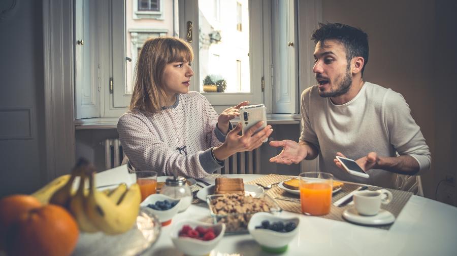 Casal discutindo a relação - Getty Images
