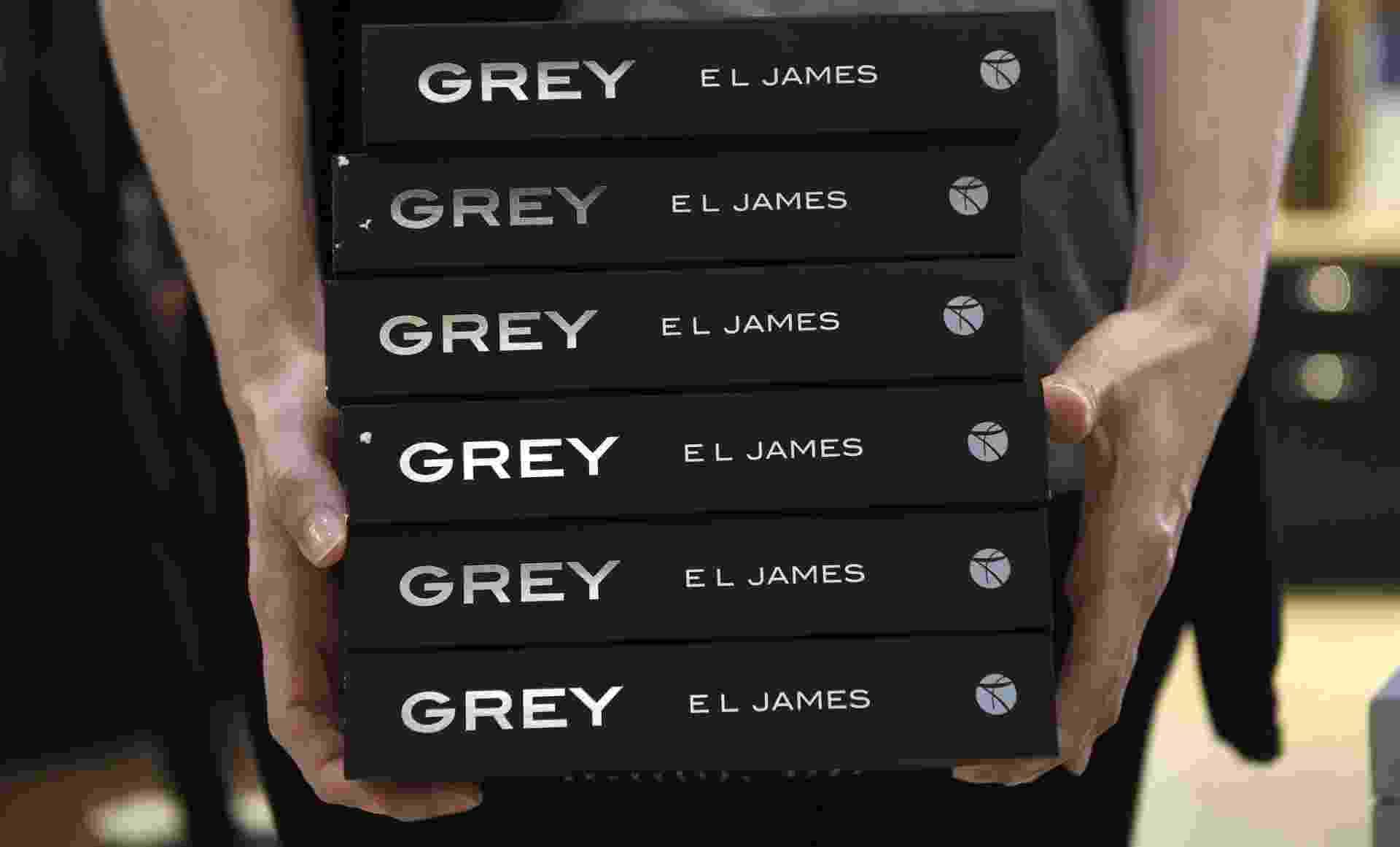 """18.jun.2015 - Intitulado """"Grey"""", o quarto livro da série é narrado a partir do ponto de vista do rico e poderoso empresário Christian Grey - EFE/Facundo Arrizabalaga"""