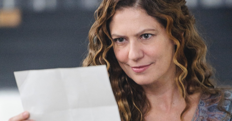 Patrícia Pillar é Isabel D'Ávila de Alencar, uma viúva linda, rica e de ótima reputação. Mas, por trás da imagem ilibada, existe uma mulher dissimulada e manipuladora, que usa as pessoas e as descarta quando convém