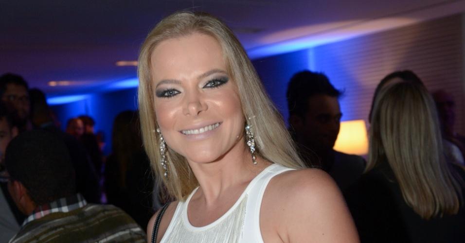Jackeline Petkovic mostrará os bastidores de um hospital veterinário 24 horas de São Paulo