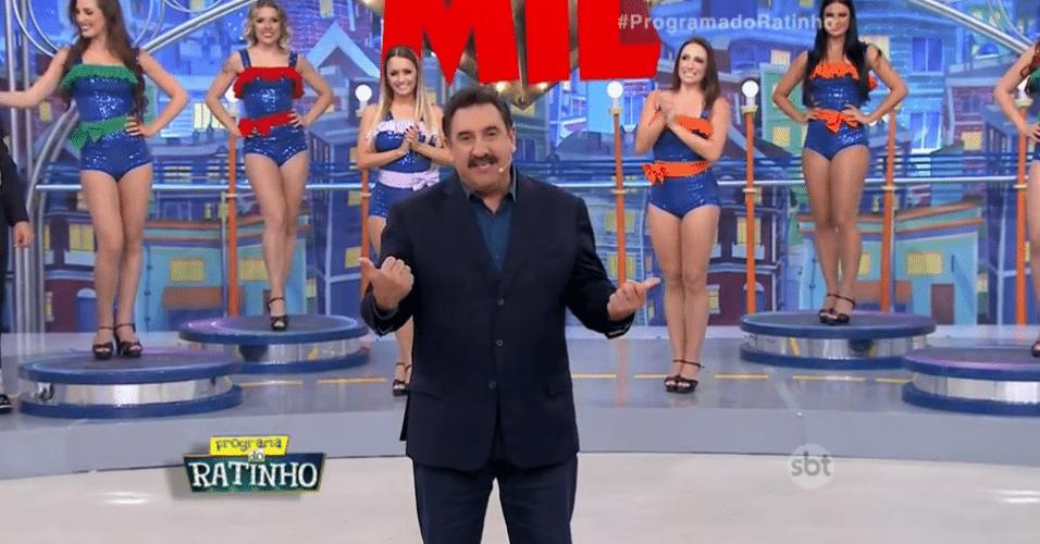 18.jul.2016 - Ratinho volta ao ar e pede desculpas por ter ficado sem voz na semana passada