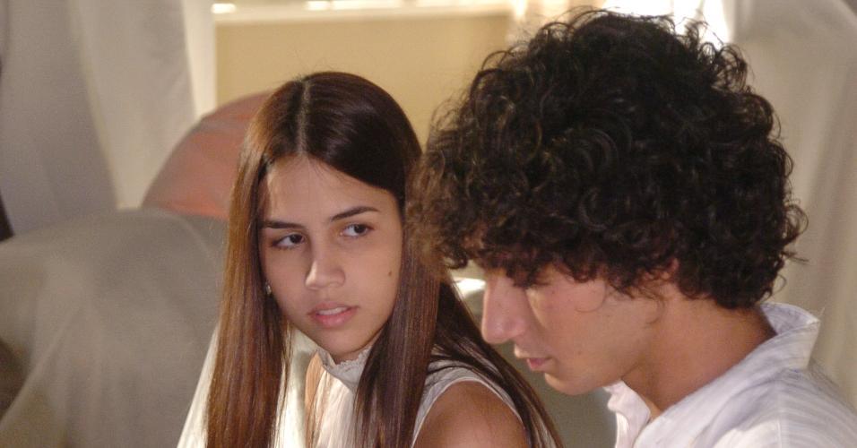 Pérola Faria e Rafael Almeida em