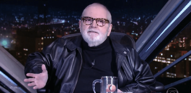 """23.ago.2016 - Jô Soares deseja sorte a Fábio Porchat, novo """"rival"""" na TV - Reprodução/TV Globo"""