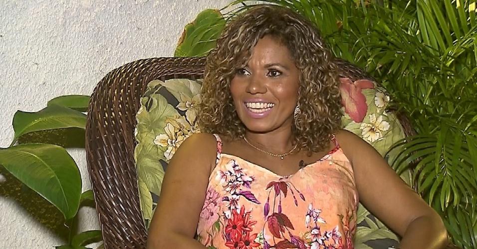 """6.set.2016 - Primeira morena do É o Tchan, Débora Brasil fala sobre depressão ao """"Câmera Record"""""""