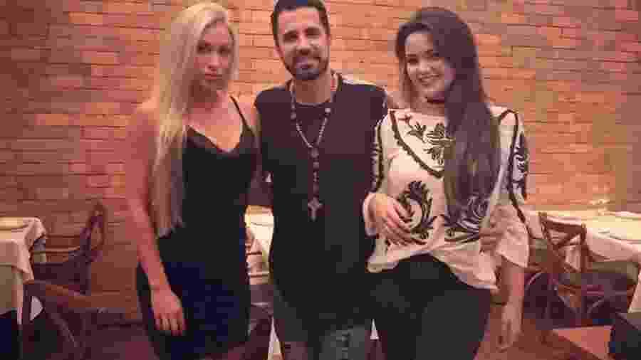 Latino com a namorada Jéssica Rodrigues e a filha Suzanna Freitas - Divulgação