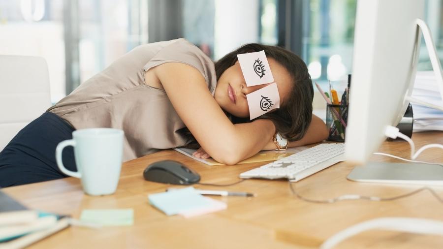 Veja como driblar a canseira no escritório - Getty Images
