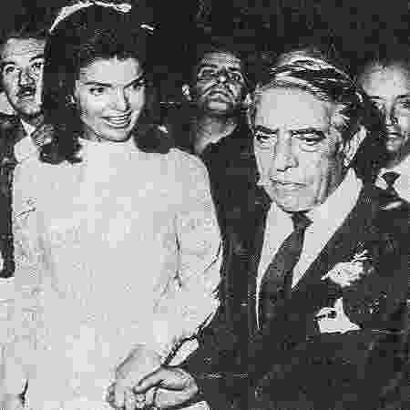 Aristóteles Onassis em seu casamento com Jacqueline Kennedy - COM FILTRO UNIVERSA - Reprodução - Reprodução