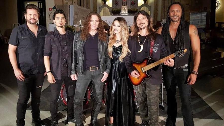 Sandy gravou clipe com a banda Angra - Reprodução/Facebook