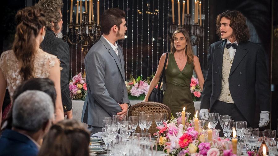 Bento invade o noivado de Marocas  - Globo/Paulo Belote