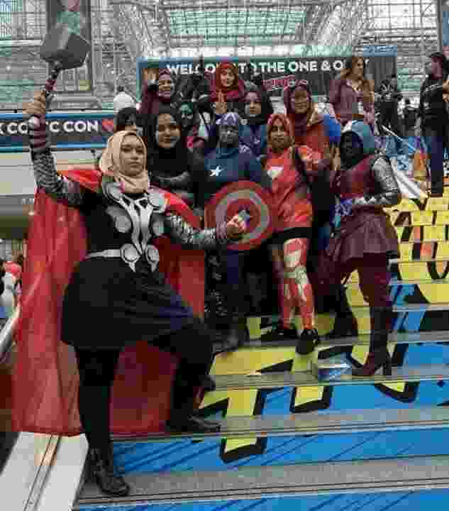Amigas muçulmanas vão a Comic Con vestidas de heróis - Reprodução/Twitter