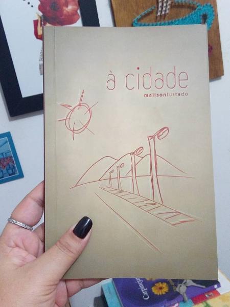"""Capa do livro """"À Cidade"""", de Mailson Furtado - Instagram/Reprodução"""
