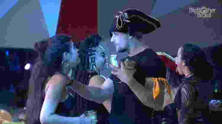 Conversa entre Hana e Diego - Reprodução/TvGlobo - Reprodução/TvGlobo