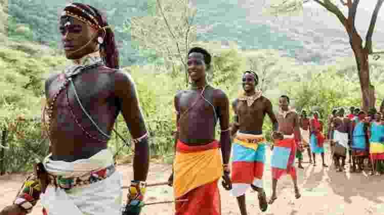 Guerreiros da tribo africana Sumburu, no Quênia, na África - Divulgação/Airbnb