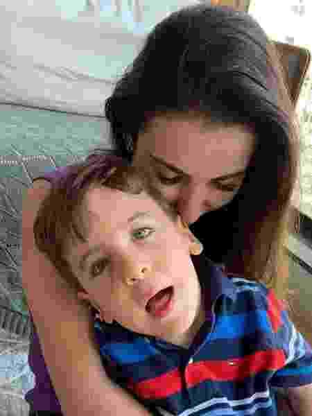 Leila e o filho, Gabinho, de quatro anos, que nasceu com má-formação congênita - Arquivo Pessoal