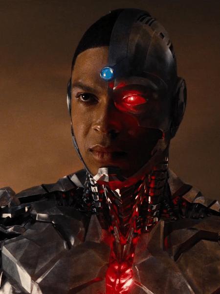 """O ator Ray Fisher como Ciborgue em """"Liga da Justiça"""" - Reprodução"""