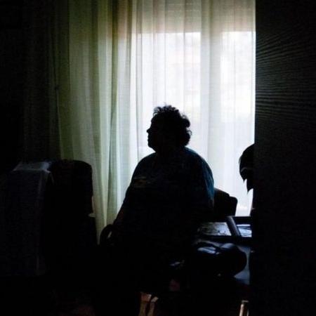 50% dos brasileiros entrevistados disseram que se sentem solitários, pior índice entre 28 países - Getty Images