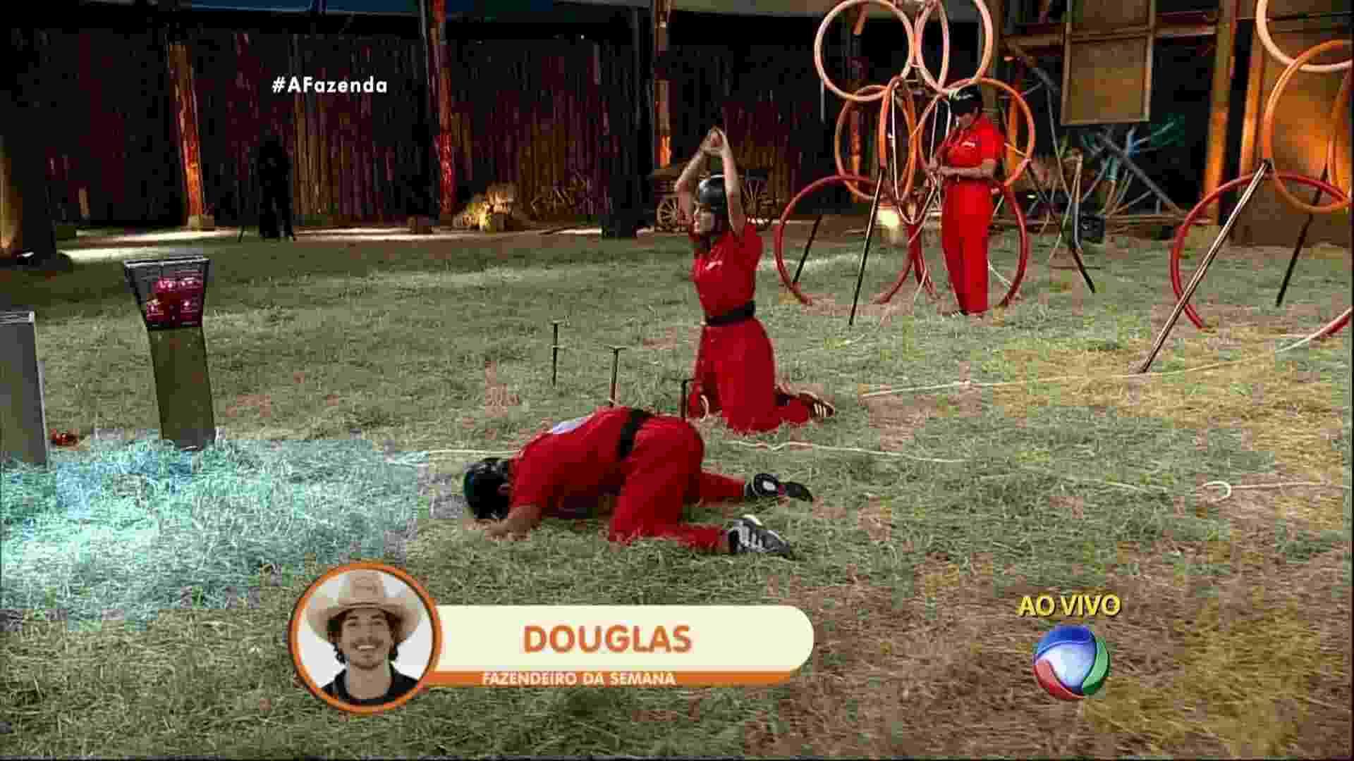 29.out.2015 - Douglas Sampaio vence prova e é o sexto fazendeiro da semana - Reprodução/Record