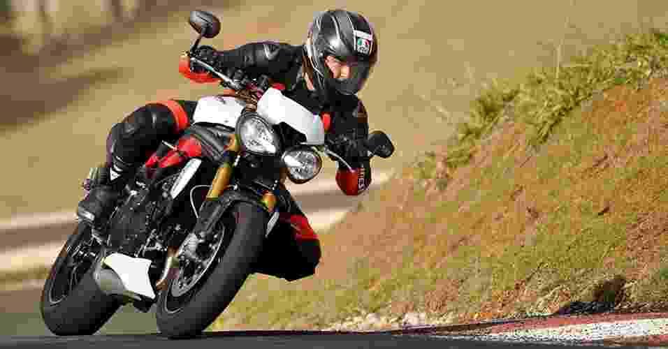 Triumph Speed Triple R 2016 - Divulgação