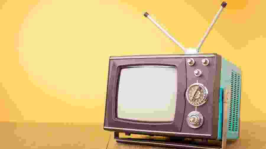 Televisão antiga; não há apenas extremos em que o antigo ou o novo são essencialmente melhores - Shutterstock