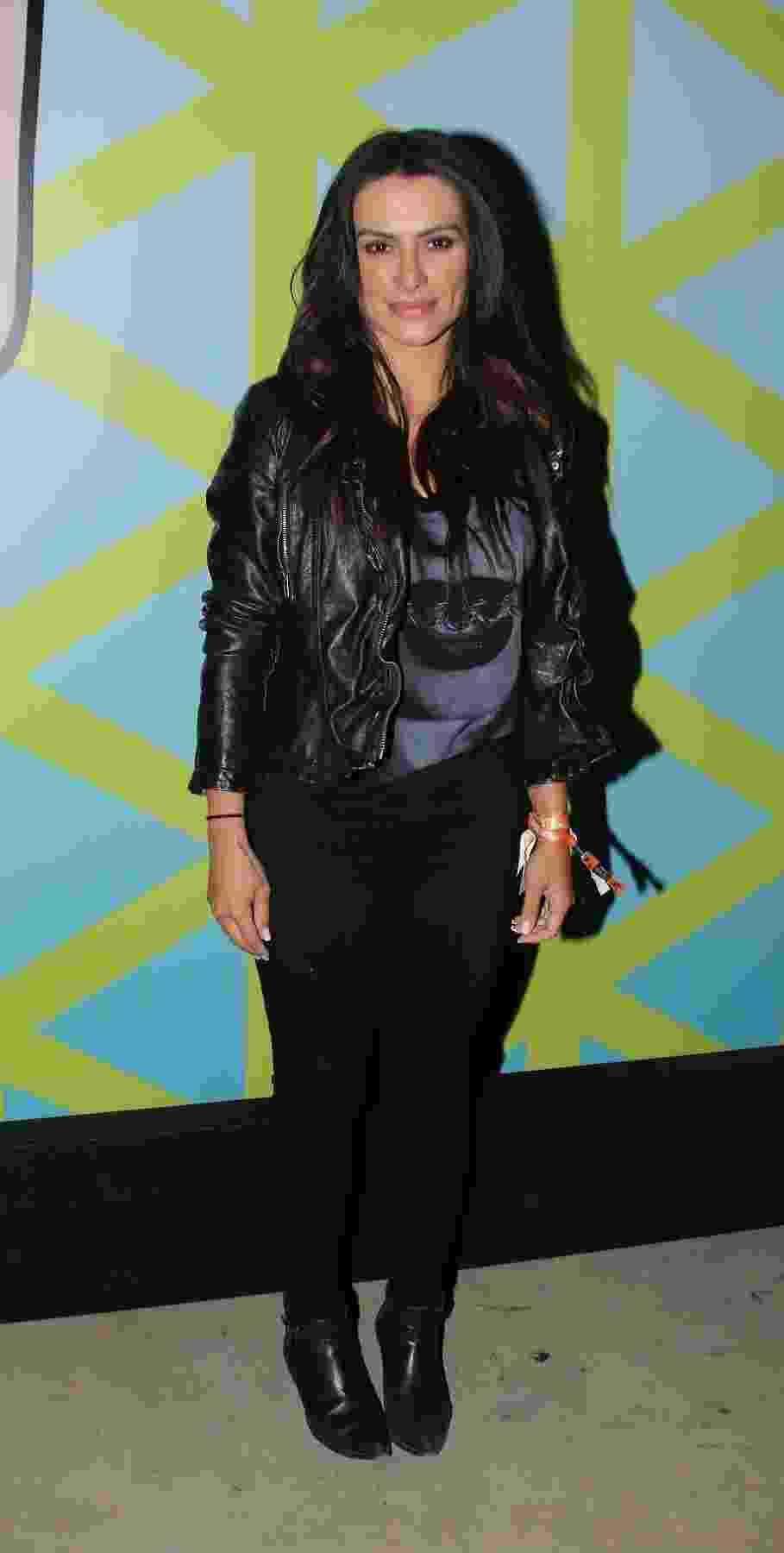 """Cleo Pires apostou em visual """"dark"""" para o segundo dia de shows do Lollapalooza - Thiago Duran/AgNews"""