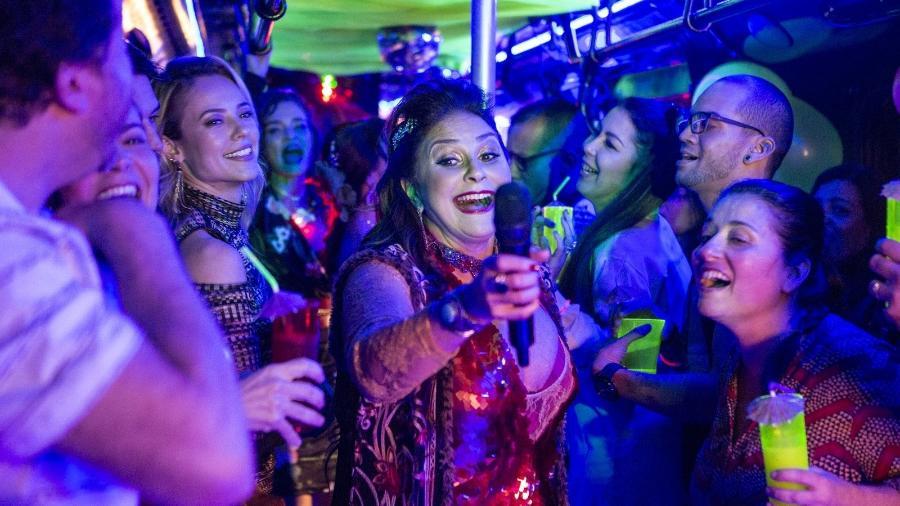 """Almerinda, ou Mere Star (Fafá de Belém), faz show no Balada Jeiza em """"A Força do Querer"""" - Reprodução/GShow"""