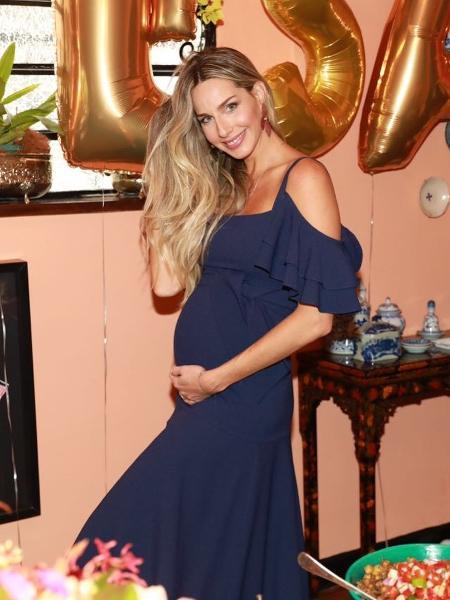 A modelo e apresentadora está grávida de seis meses de sua primeira filha - Reprodução/Instagram/MarianaWeickert