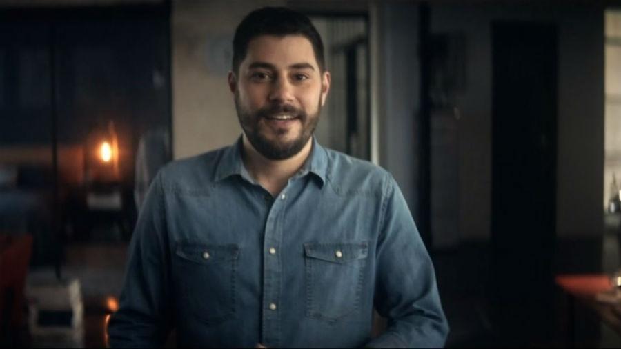 Evaristo Costa é a estrela de uma nova campanha publicitária de uma marca de investimento online - Reprodução/Globo