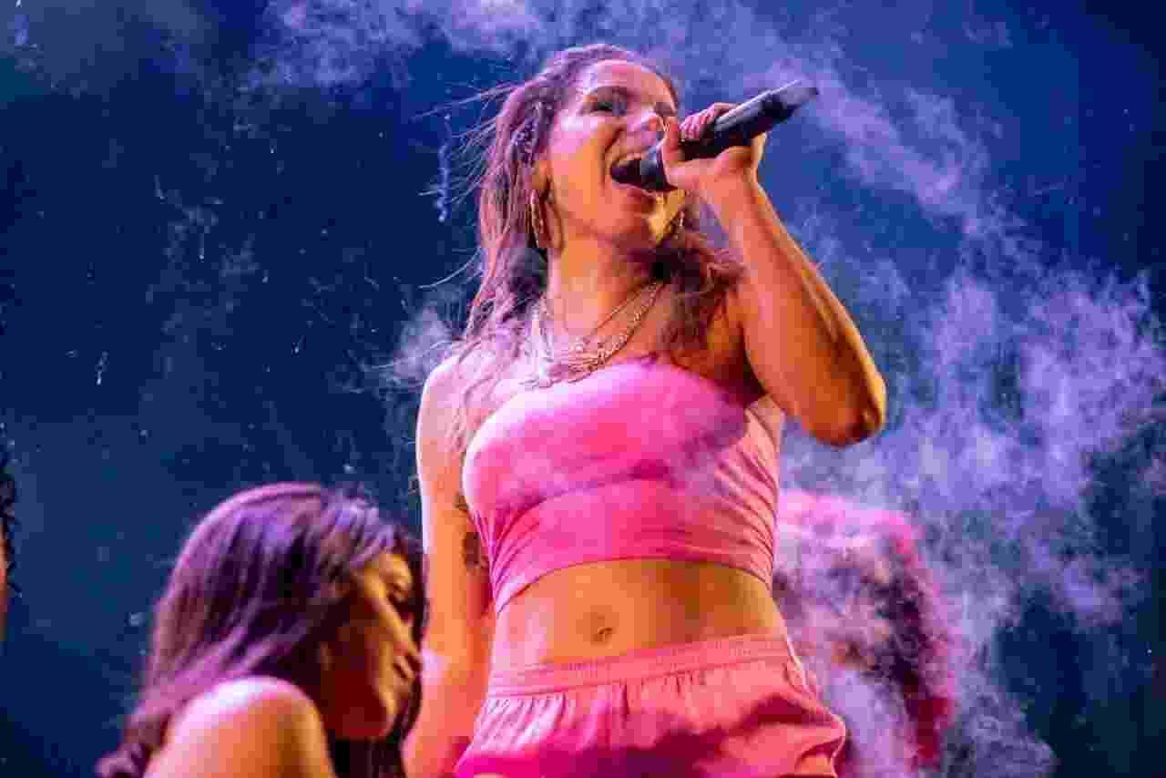 Anitta agita o Carnaval do Mirante, em BH - Nereu Jr./UOL