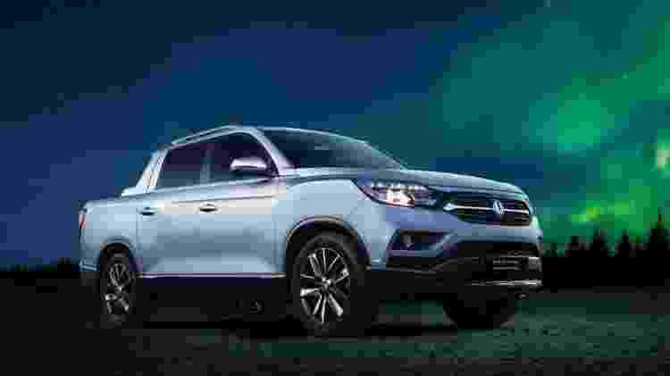 Picape Musso, derivada do SUV Rexton, é uma das apostas para a marca renascer no mercado brasileiro - Divulgação
