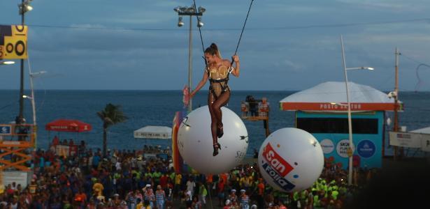 Salvador | Claudia Leitte 'voa' na Bahia
