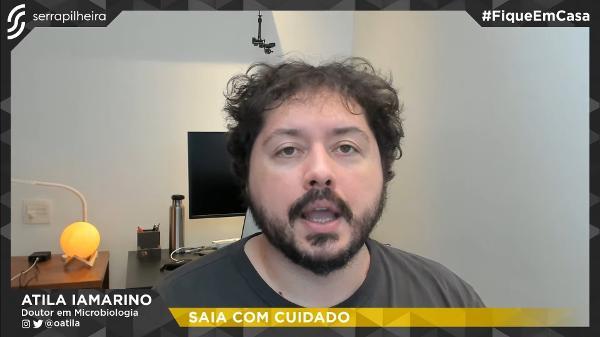 Átila Itamarino falou sobre sair de casa em live na sexta (2)