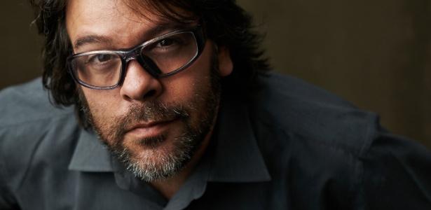 """O escritor e publicitário P.J. Pereira, autor da trilogia """"Deuses de Dois Mundos"""" - Leo Neves/Divulgação"""