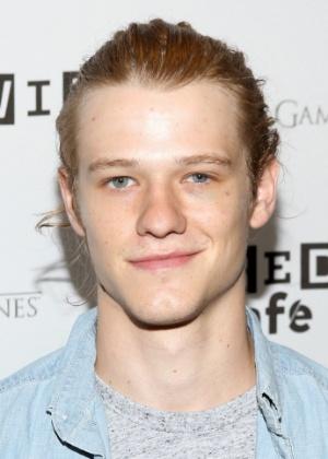 O ator Lucas Till, que vai interpretar MacGyver em uma nova versão da série  - Jesse Grant/Getty Images