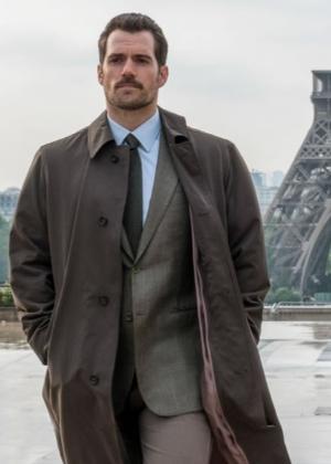 O ator Henry Cavill publicou declaração após ser criticado
